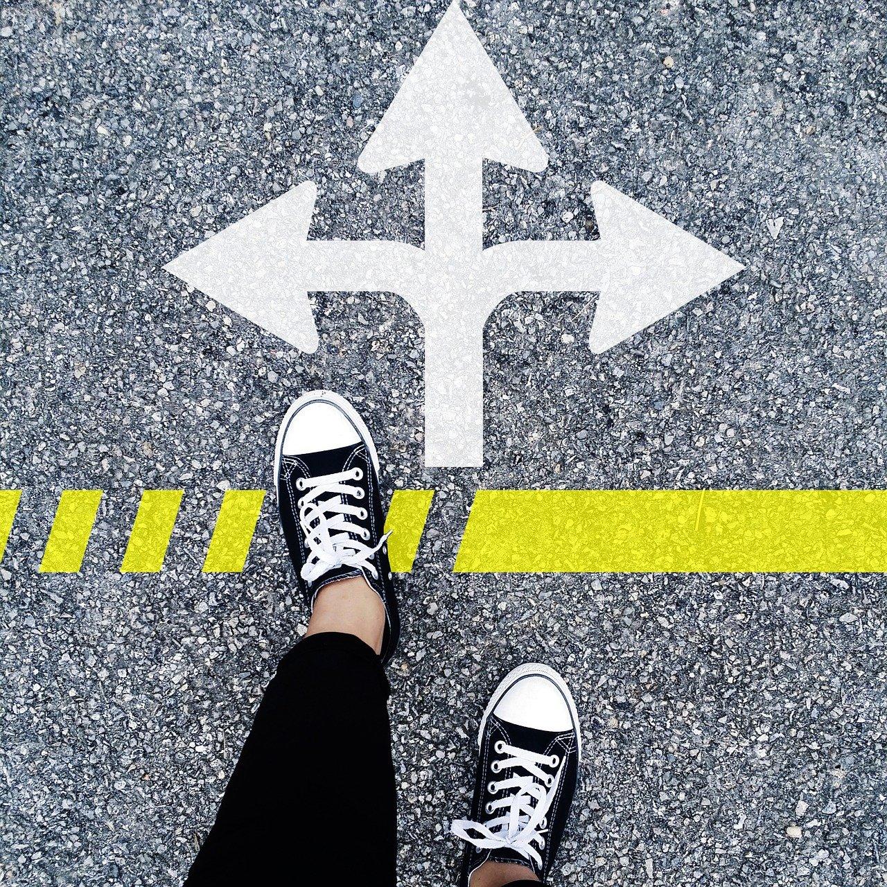 choose the right direction 1536336 1280 - Buhl-Baukonzepte.de